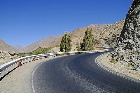 Mountain road, bend, desert mountains, Monte Grande, Vicuna, Valle d'Elqui, Elqui Valley, La Serena, Norte Chico, northern Chile, Chile, South America