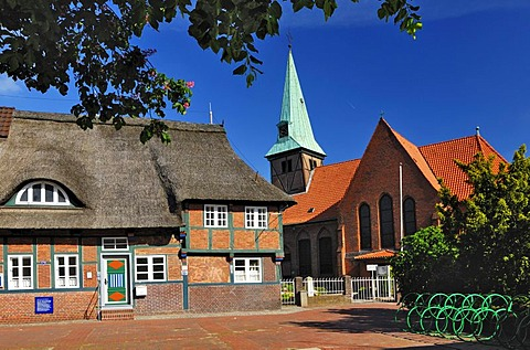 Church of the Holy Cross and historic sexton's house in Kirchdorf, Wilhelmsburg, Hamburg, Germany, Europe