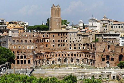 Trajan's markets, Forum di Traia, Mercati di Traiano, with the Torre Milizie, Rome, Italy, Europe
