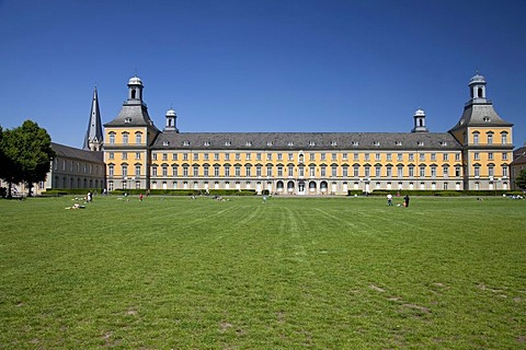 University and Hofgarten park, former electoral palace, Bonn, Rhineland, North Rhine-Westphalia, Germany, Europe