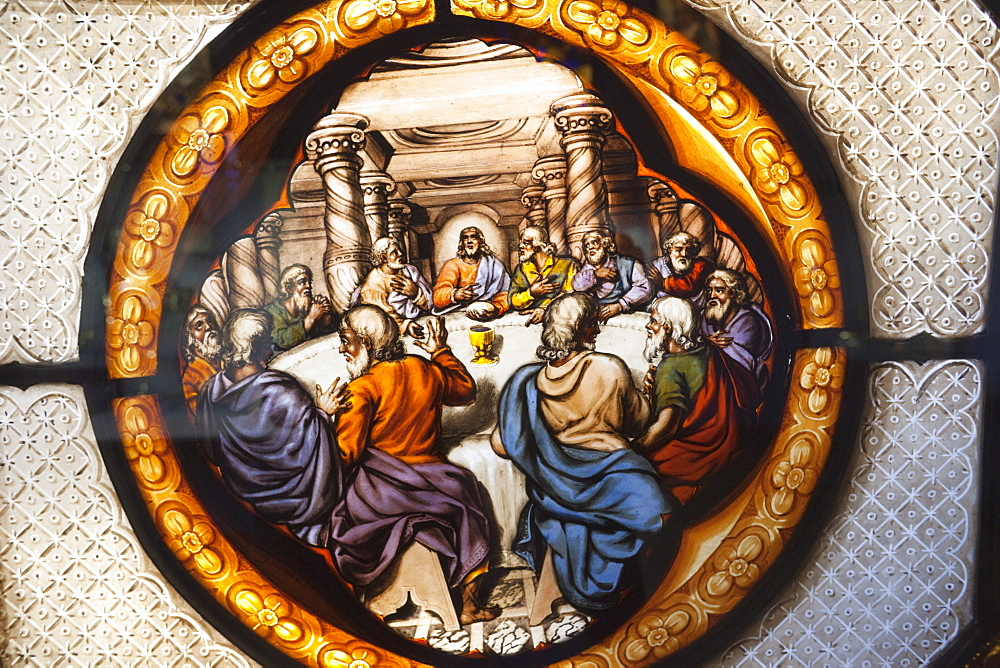Stained glass window depicting the Last Supper by William Peckitt in the Whiteley Galleries, Victoria and Albert Museum, London, England, United Kingdom, Europe