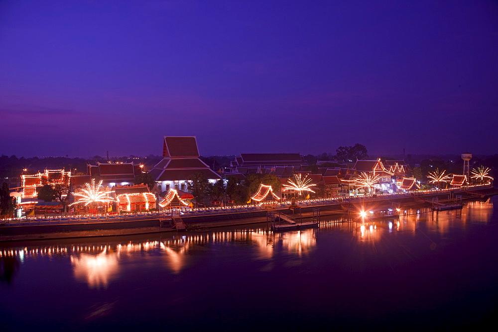 Wat Phanan Choeng and Pasak River, Ayutthaya, Thailand, Southeast Asia, Asia