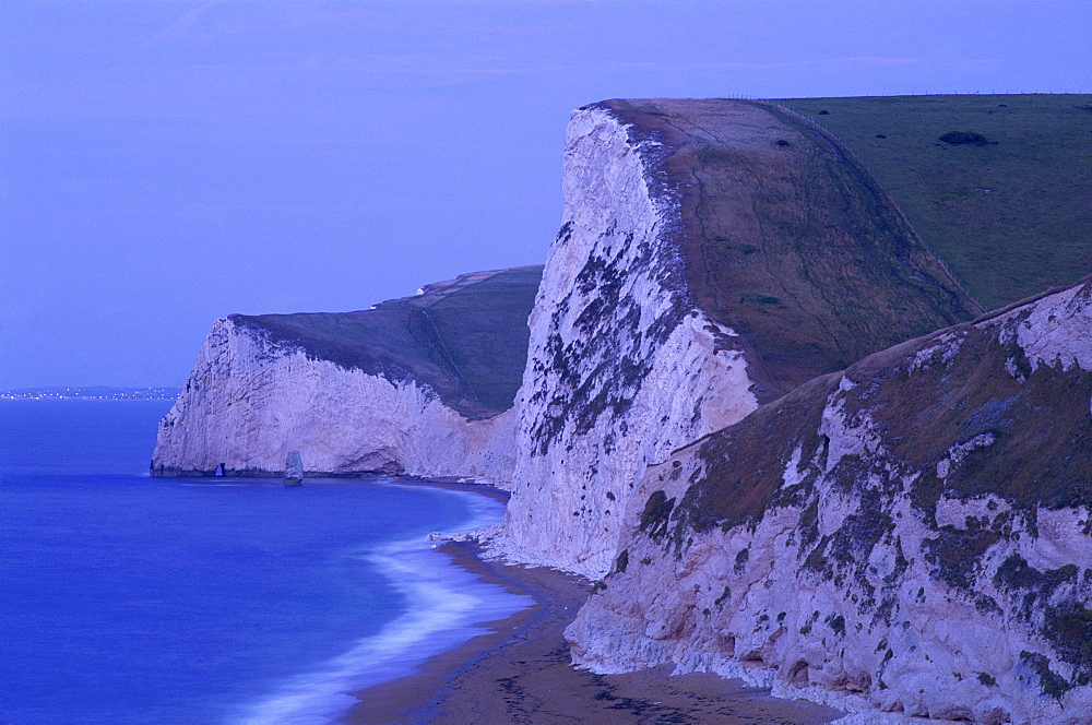 Cliffs on Durdle Door Beach near Lulworth, Jurassic Coast, UNESCO World Heritage Site, Dorset, England, United Kingdom, Europe
