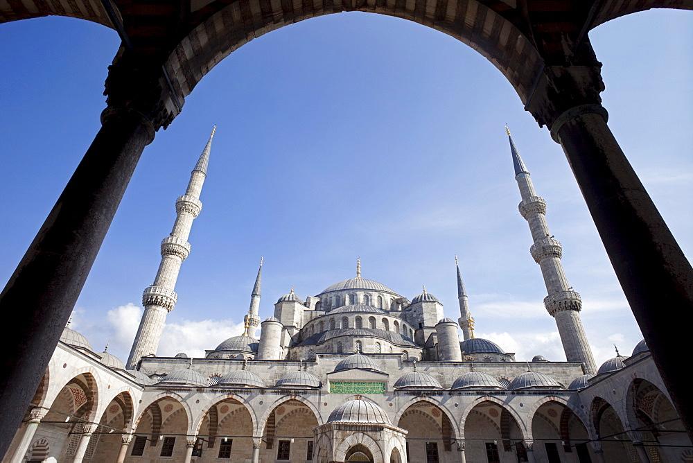 Blue Mosque (Sultan Ahmet Camii), Istanbul, Turkey, Europe - 834-2241