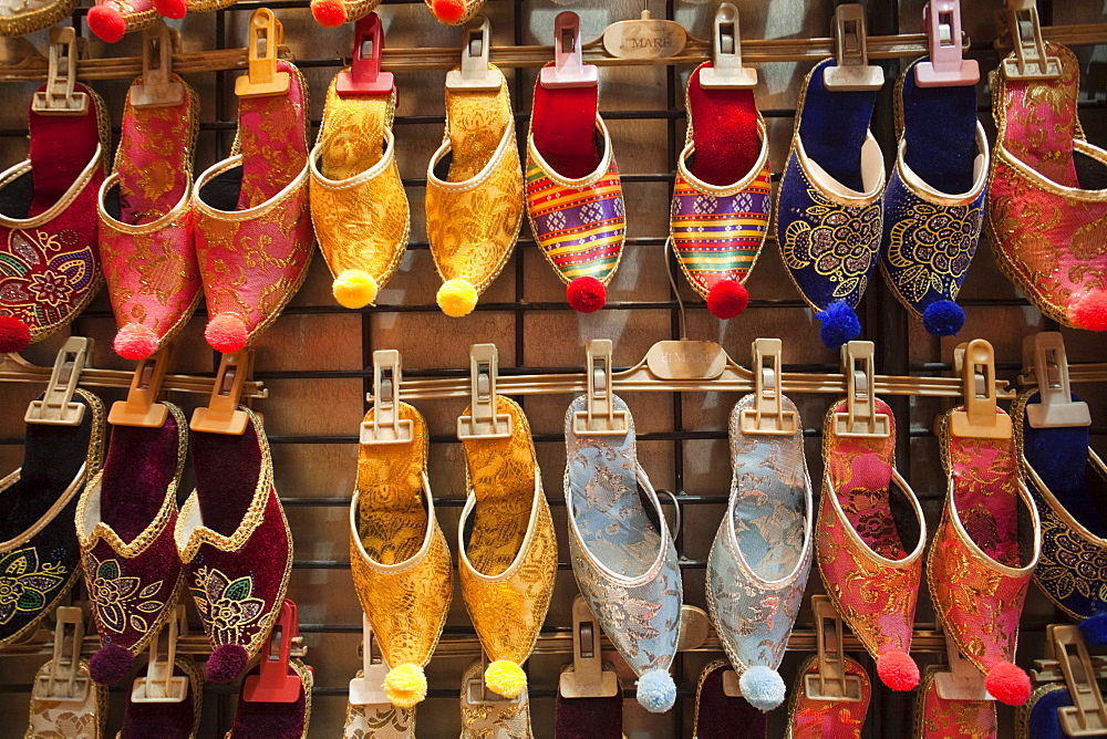 Turkish slippers, Grand Bazaar, Sultanahmet, Istanbul, Turkey, Europe - 834-2297