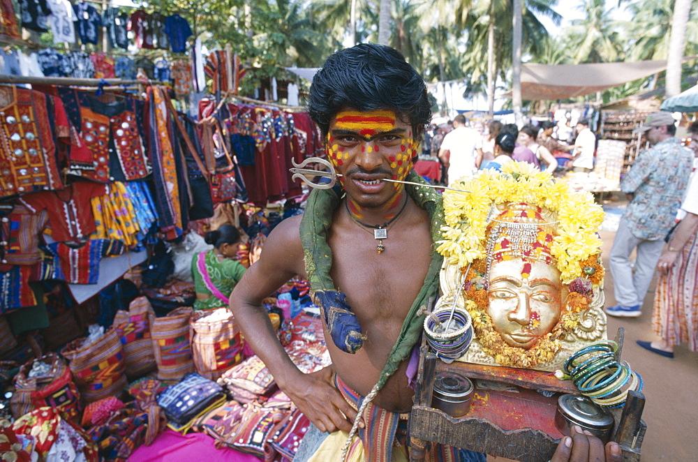 Holy man, Anjuna Market, Goa, India, Asia