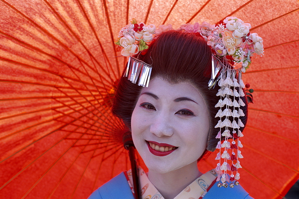 Apprentice Geisha (Maiko), in traditional costume, Kyoto, Honshu, Japan, Asia - 834-2667