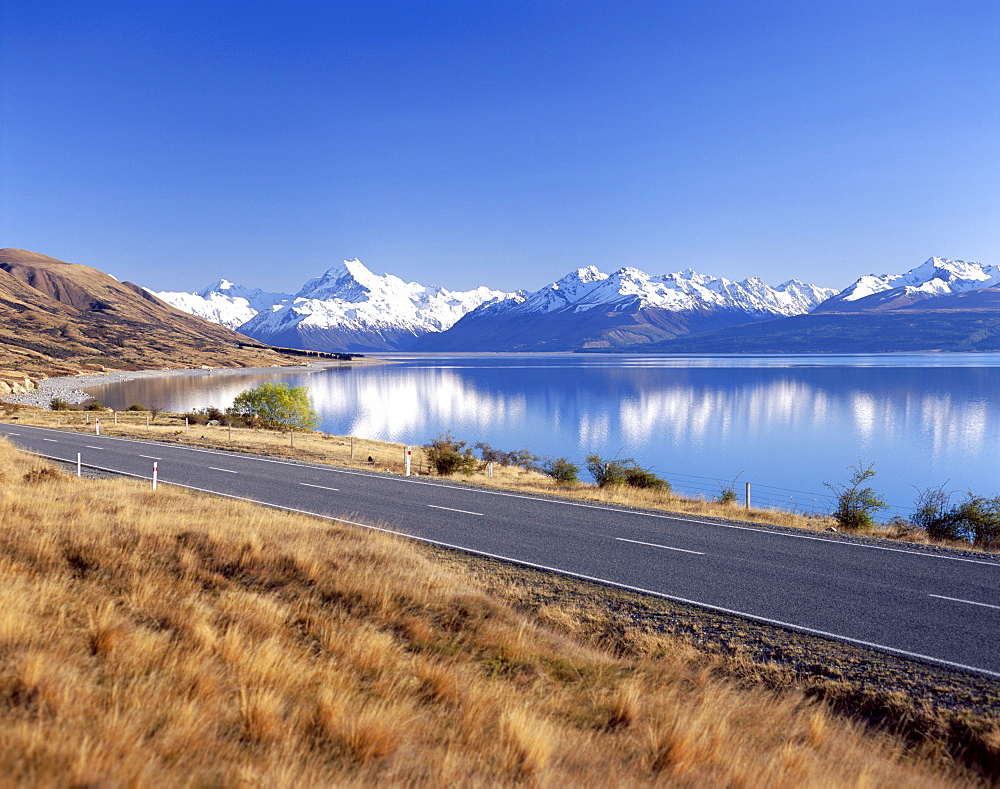 Lake Pukaki, Mount Cook, The Southern Alps, South Island, New Zealand, Pacific