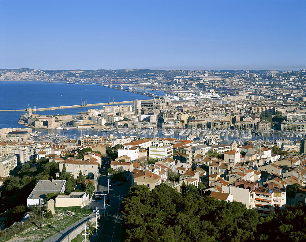 City skyine and harbour, Marseille, Provence, Cote d'Azur, France, Mediterranean, Europe