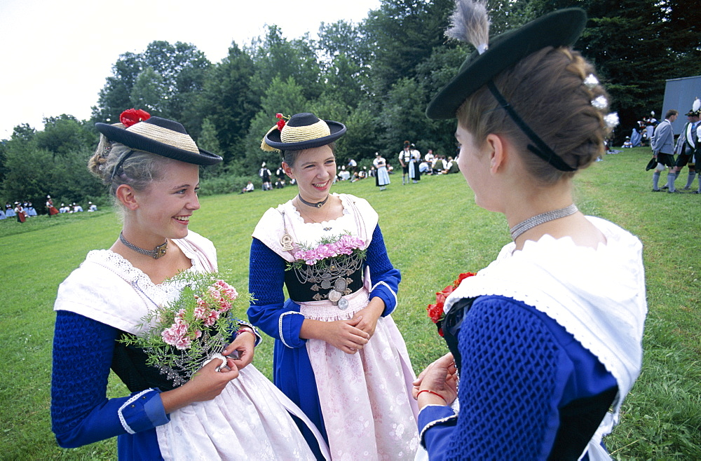 Women in Bavarian costume, Bavarian Festival, Rosenheim, Bavaria, Germany, Europe - 834-3690