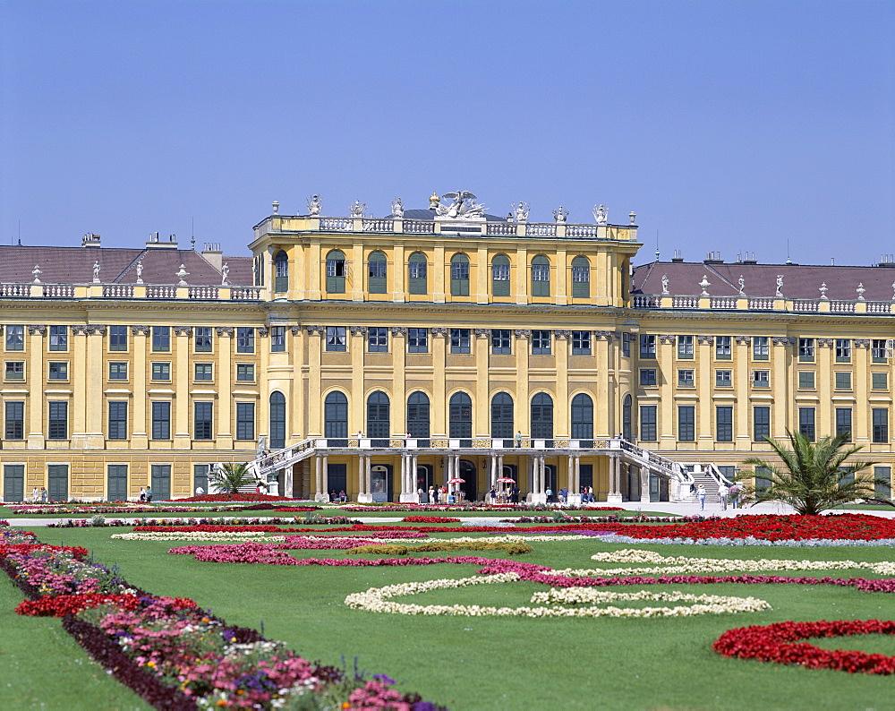 Schonbrunn Palace (Schloss Schonbrunn), UNESCO World Heritage Site, Vienna, Austria, Europe