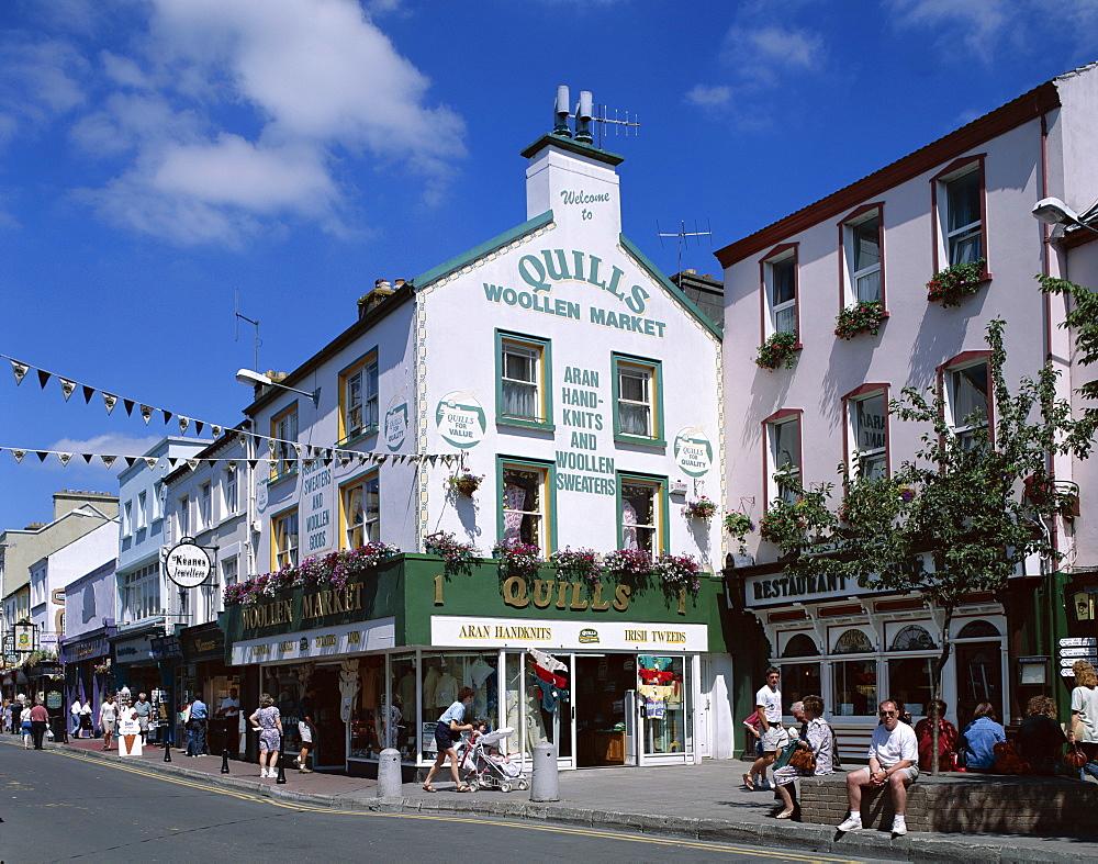 Street scene, Killarney, County Kerry, Munster, Republic of Ireland, Europe