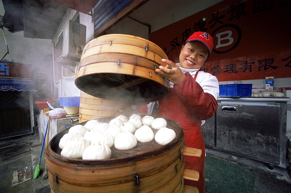 Street vendor selling steamed dumplings, Shanghai, China, Asia - 834-4879