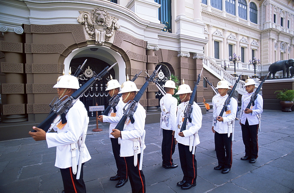 Changing of the Guard at the Royal Palace, Bangkok, Thailand, Southeast Asia, Asia