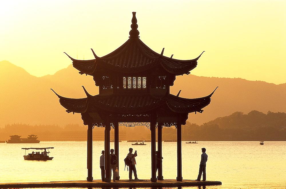 West Lake, Hangzhou, Zhejiang Province, China, Asia - 834-5981