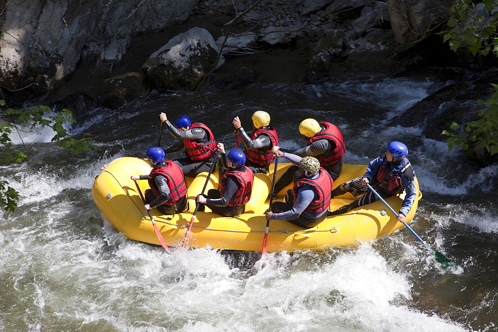 River rafting, Aude River, Aude, Languedoc-Roussillon, France, Europe