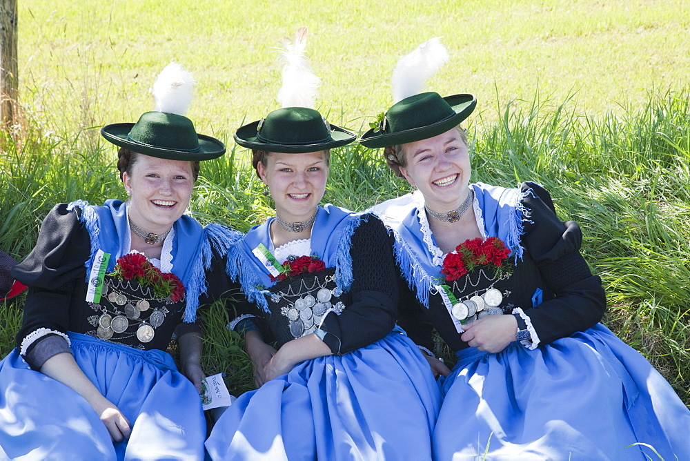 Girls in traditional Bavarian costume at Folklore Festival, Burghausen, Bavaria, Germany, Europe - 834-7184
