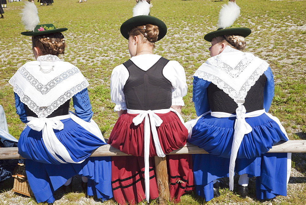 Girls in traditional Bavarian costume at Folklore Festival, Burghausen, Bavaria, Germany, Europe - 834-7185