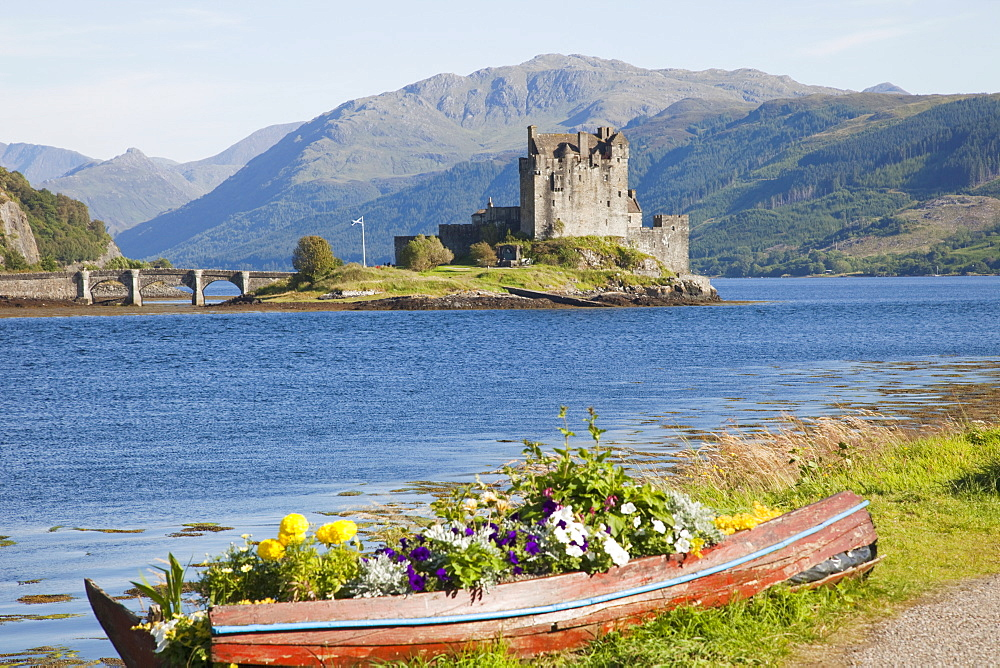 Eilean Donan Castle, Highlands, Scotland, United Kingdom, Europe - 834-7195