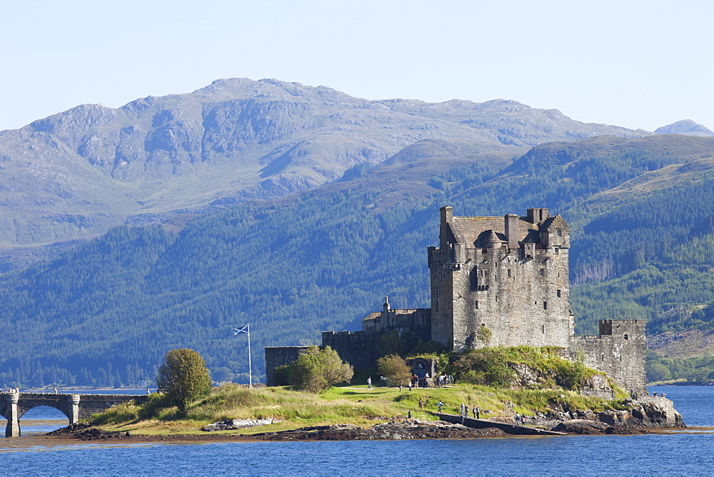 Eilean Donan Castle, Highlands, Scotland, United Kingdom, Europe - 834-7196