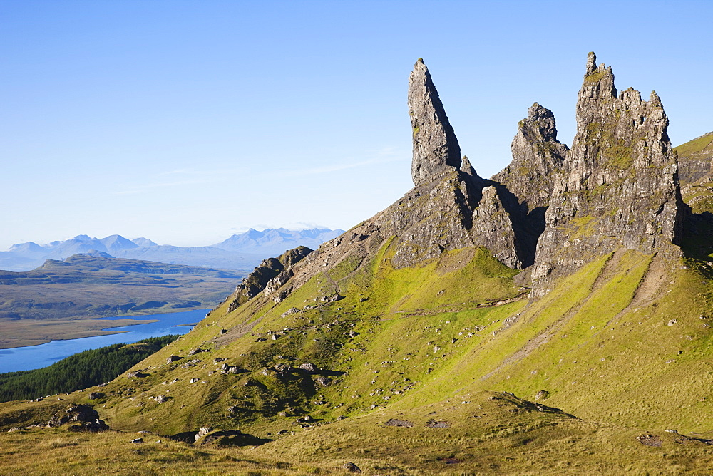 Old Man of Storr mountain, Trotternish Peninsula, Isle of Skye, Inner Hebrides, Scotland, United Kingdom, Europe - 834-7239