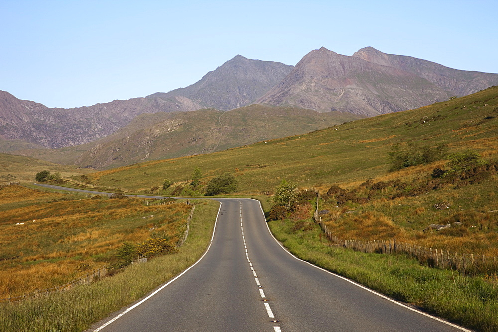 Empty road with Mount Snowdon in background, Snowdonia National Park, Gwynedd, Wales, United Kingdom, Europe - 834-740