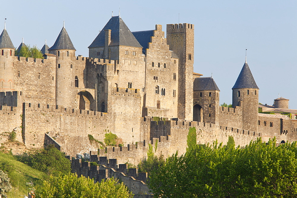 Evening light on the medieval city of La Cite, Carcassonne, UNESCO World Heritage Site, Languedoc-Roussillon, France, Europe - 835-33