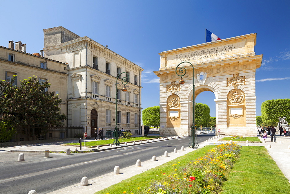 The Arc de Triomphe, Rue Foch, Montpellier, Languedoc-Roussillon, France, Europe - 835-52