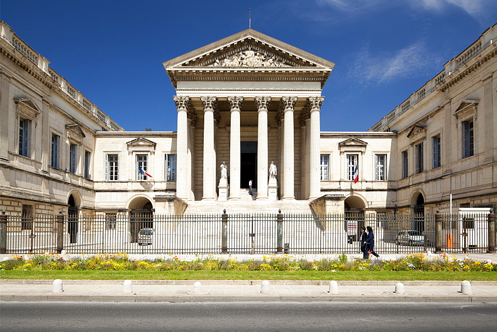 The Neoclassical Palais de Justice, Rue Foch, Montpellier, Languedoc-Roussillon, France, Europe - 835-54
