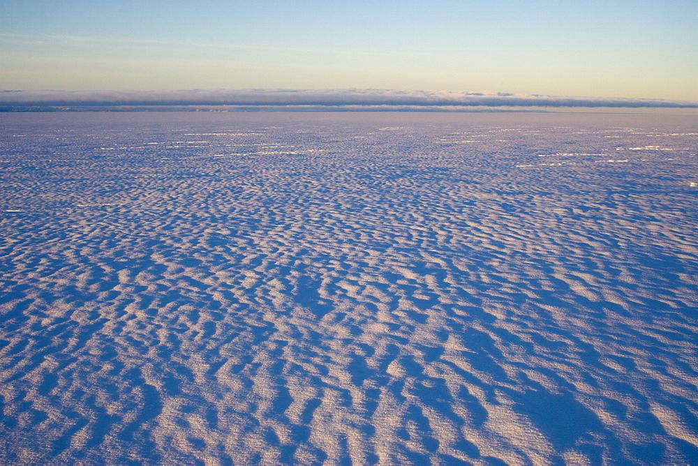 Inland icecap on Expedition, Greenland, Polar Regions - 836-14
