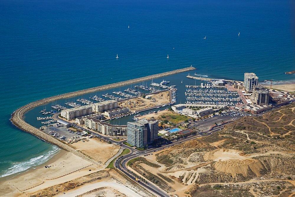 The Marina of Herzliya on the Coastal Plain - 837-1111