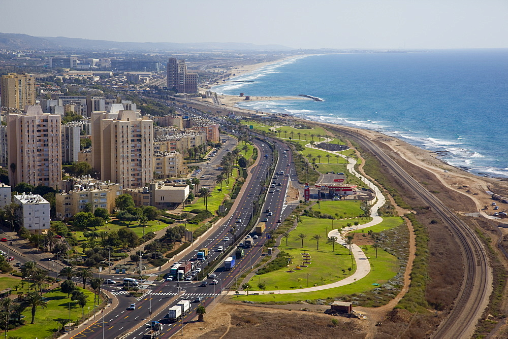 The southern entrance of the city of Haifa - 837-1149