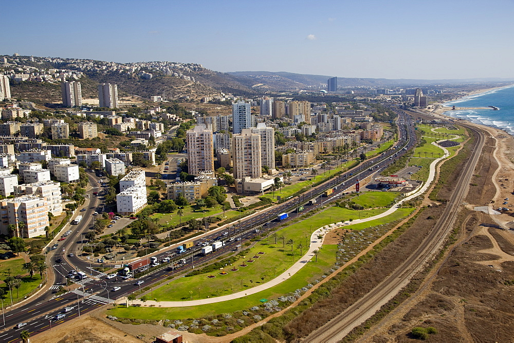 The southern entrance of the city of Haifa - 837-1150