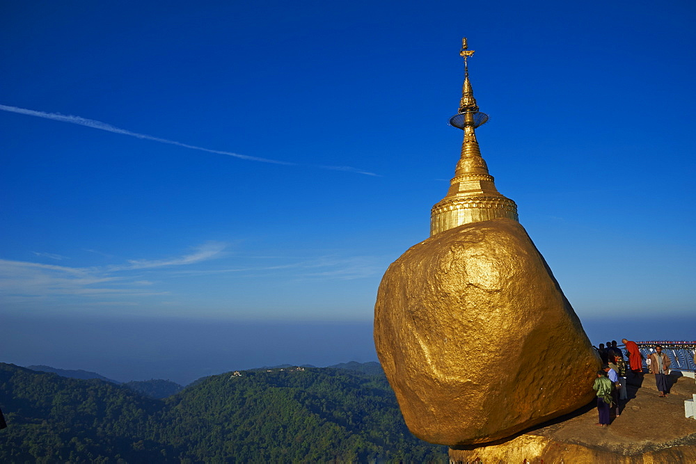 Monk and pilgrims, Kyaiktiyo Golden Rock, Mon State, Myanmar (Burma), Asia - 841-1199