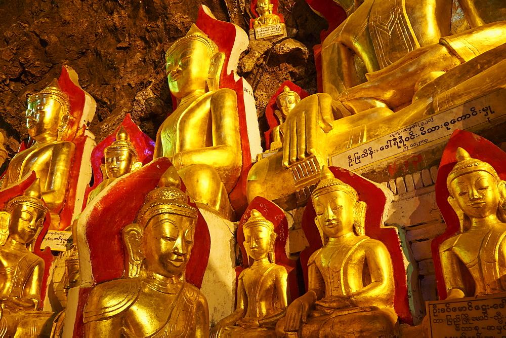 Statues of the Buddha, Shwe Oo Min natural Buddhist cave pagoda, Pindaya, Shan State, Myanmar (Burma), Asia - 841-1273
