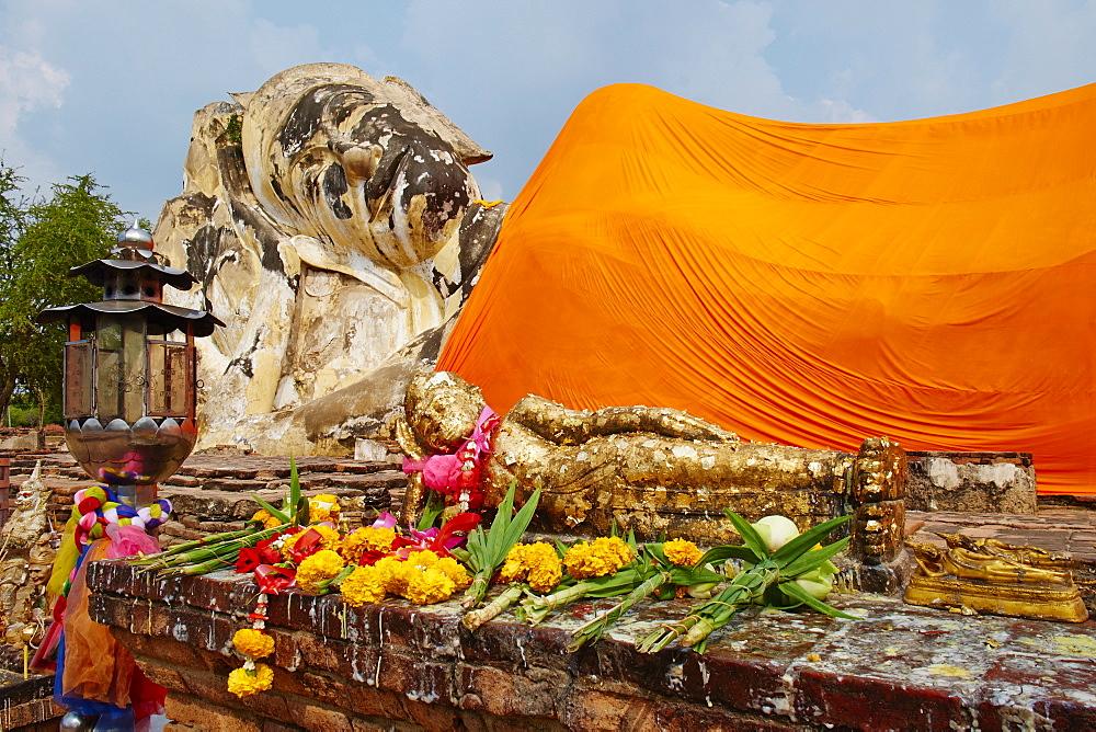 Sleeping Buddha, Wat Lokaya Sutha, Ayutthaya Historical Park, UNESCO World Heritage Site, Ayutthaya, Thailand, Southeast Asia, Asia - 841-1497