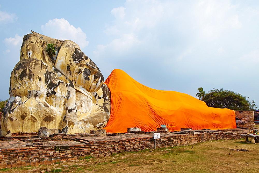 Sleeping Buddha, Wat Lokaya Sutha, Ayutthaya Historical Park, UNESCO World Heritage Site, Ayutthaya, Thailand, Southeast Asia, Asia - 841-1499