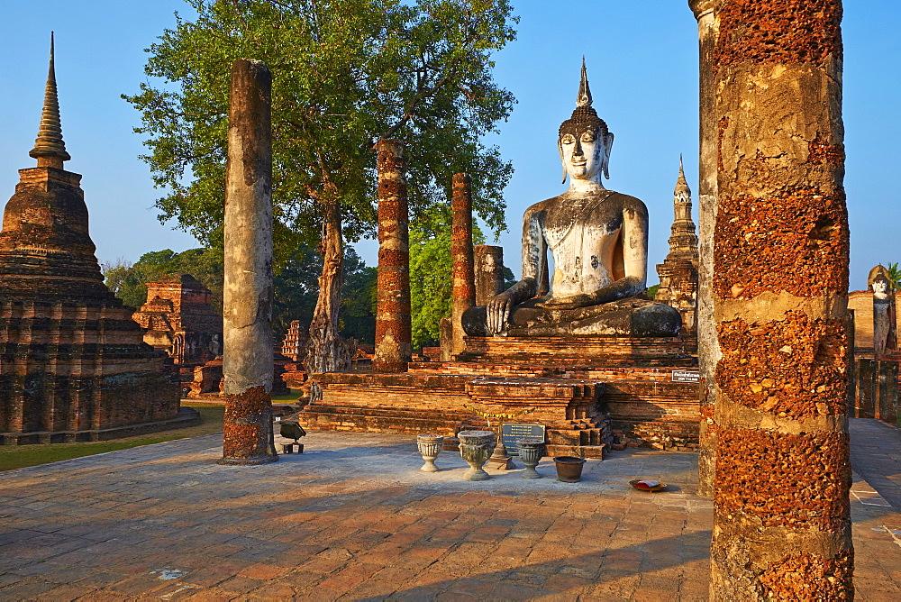Wat Mahatat, Sukhothai Historical Park, UNESCO World Heritage Site, Sukhothai, Thailand, Southeast Asia, Asia - 841-1504