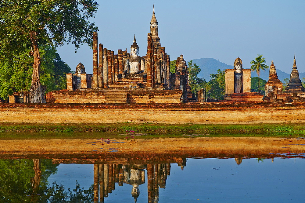 Wat Mahatat, Sukhothai Historical Park, UNESCO World Heritage Site, Sukhothai, Thailand, Southeast Asia, Asia - 841-1509