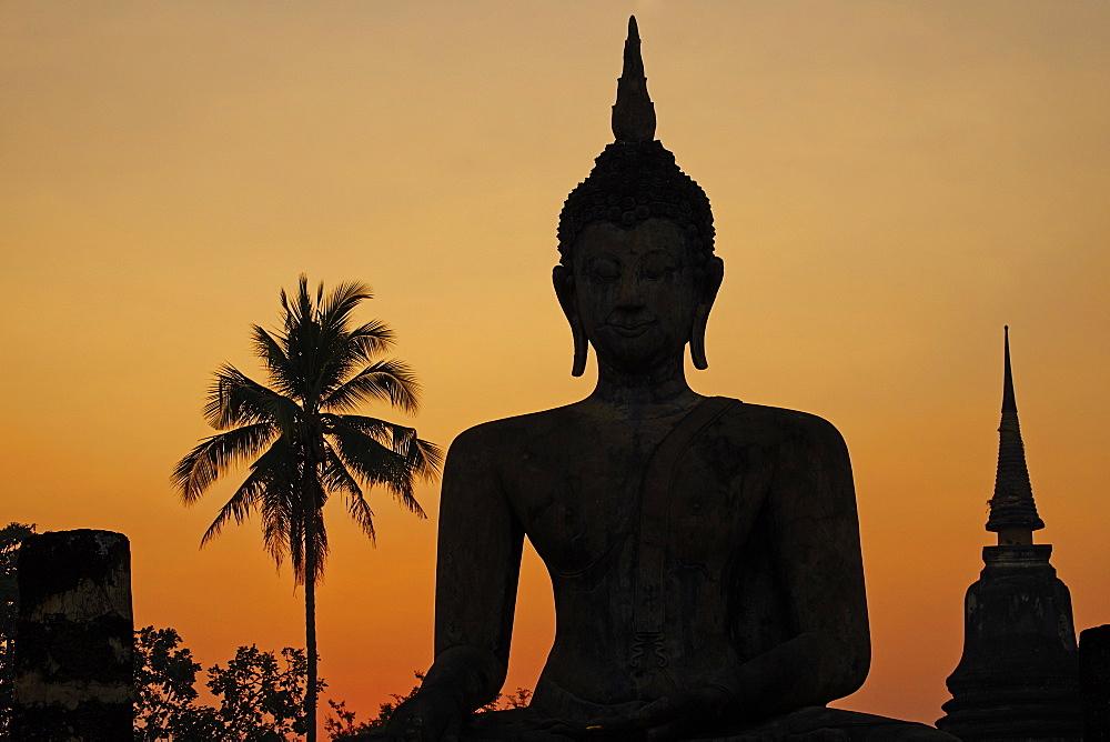 Wat Mahatat, Sukhothai Historical Park, UNESCO World Heritage Site, Sukhothai, Thailand, Southeast Asia, Asia - 841-1517