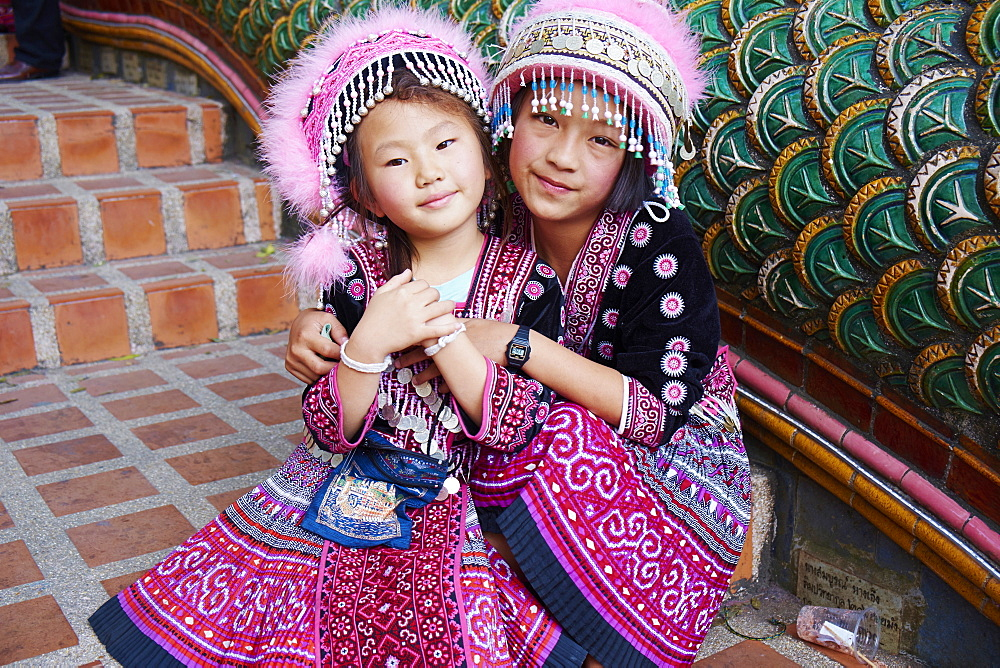 Young Lana girl, Wat Phra That Doi Suthep, Chiang Mai, Thailand, Southeast Asia, Asia - 841-1537