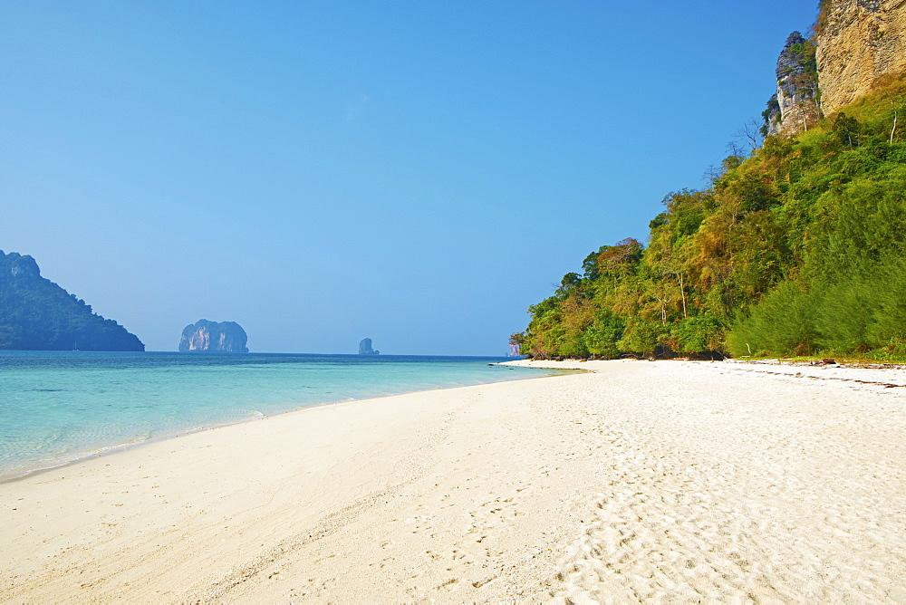 Ao Phra Nang Bay, Ko Poda Island, Krabi Province, Thailand, Southeast Asia, Asia - 841-1560