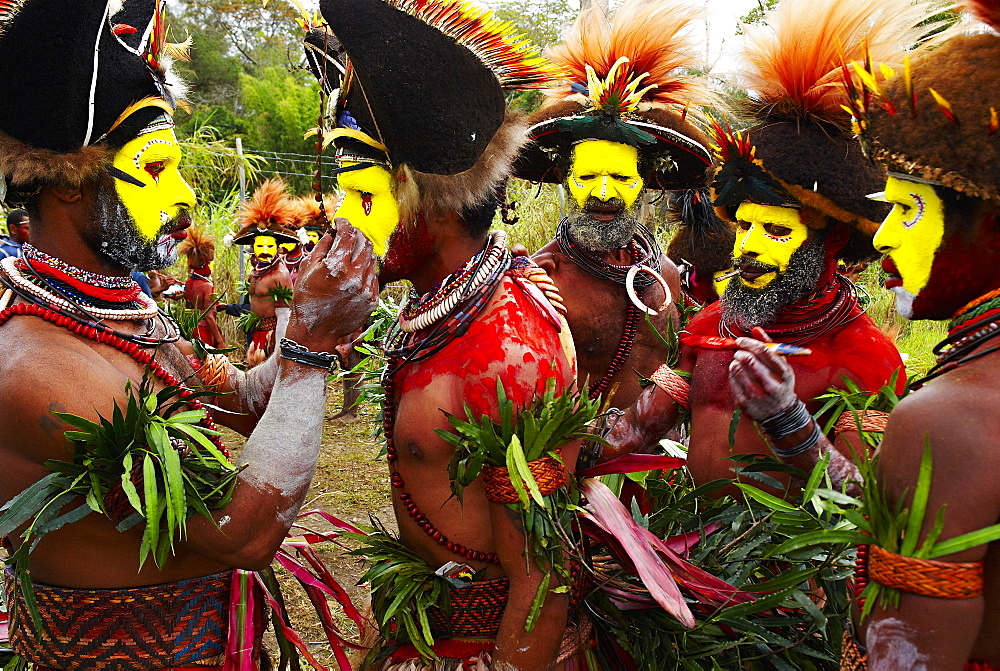 Cultural show with ethnic groups, Sing sing of Mount Hagen, Western Highlands, Papua New Guinea, Pacific