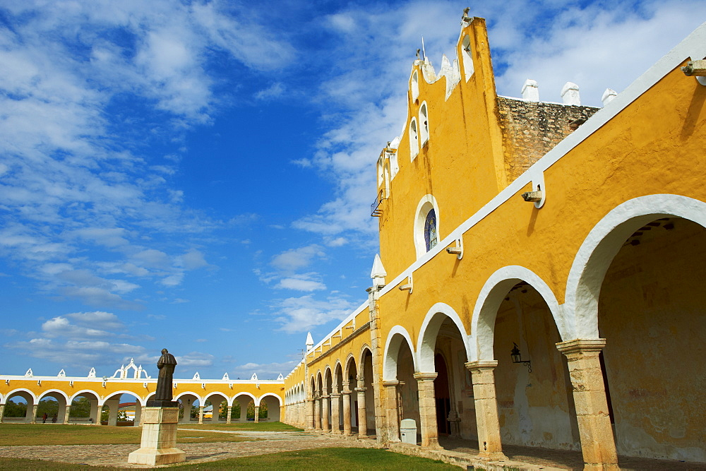 Monastery, Convento De San Antonio De Padua (Convent of San Antonio De Padua), the yellow city of Izamal, Yucatan State, Mexico, North America