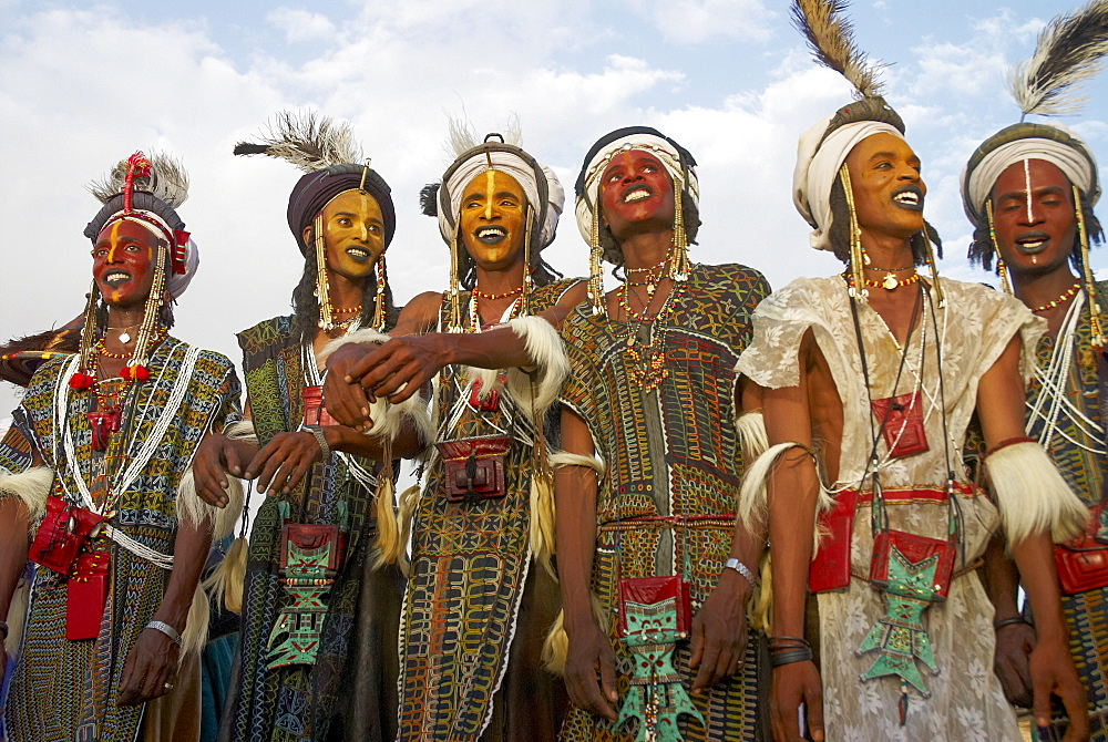 Wodaabe (Bororo) men with faces painted at the annual Gerewol male beauty contest, a general reunion of West African Wodaabe Peuls (Bororo Peul), Niger, West Africa, Africa
