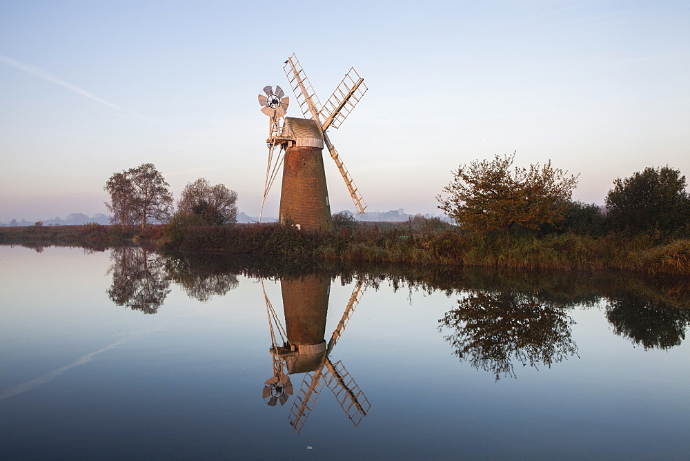 Beautiful calm conditions on the River Ant in the Norfolk Broads at Turf Fen, Norfolk, England, United Kingdom, Europe