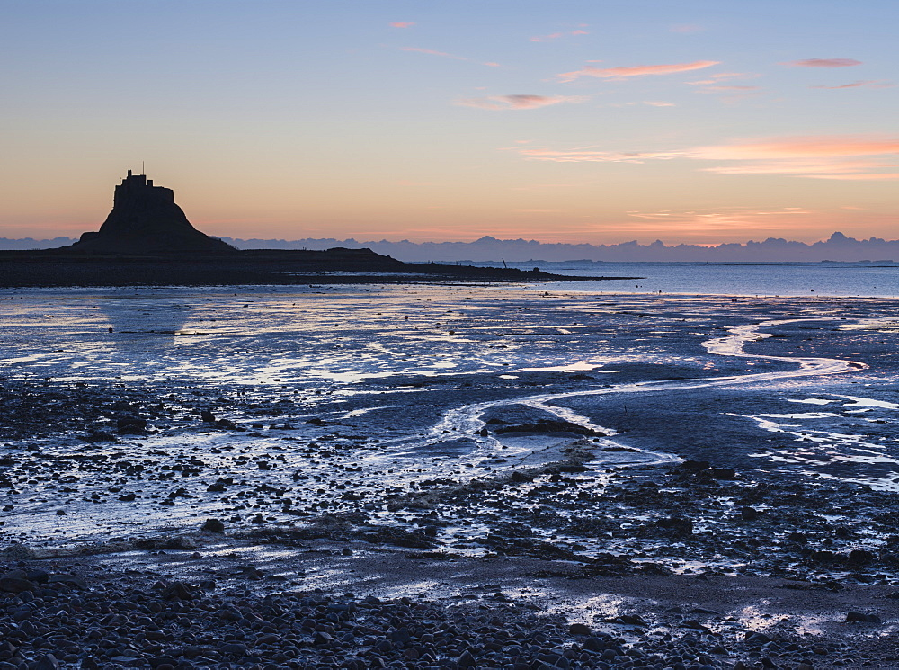 A view across the Ouse to Lindisfarne Castle, Holy Island, Northumberland, England, United Kingdom, Europe - 842-491