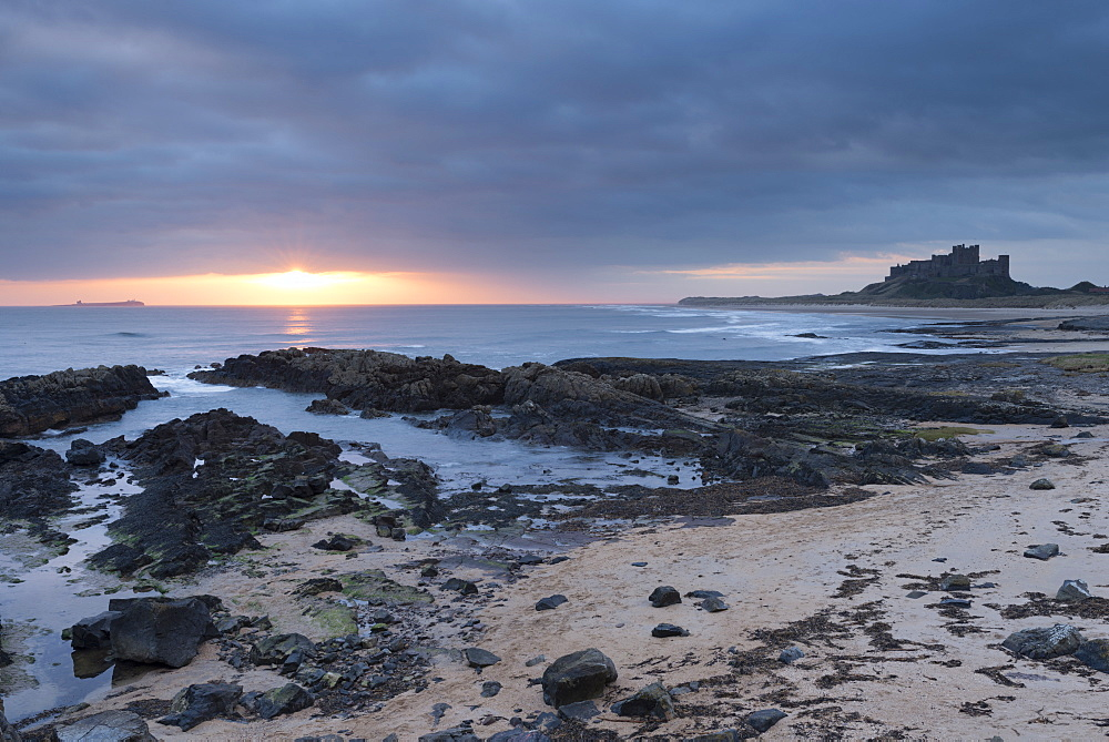 Sunrise at Bamburgh, Northumberland, England, United Kingdom, Europe - 842-493