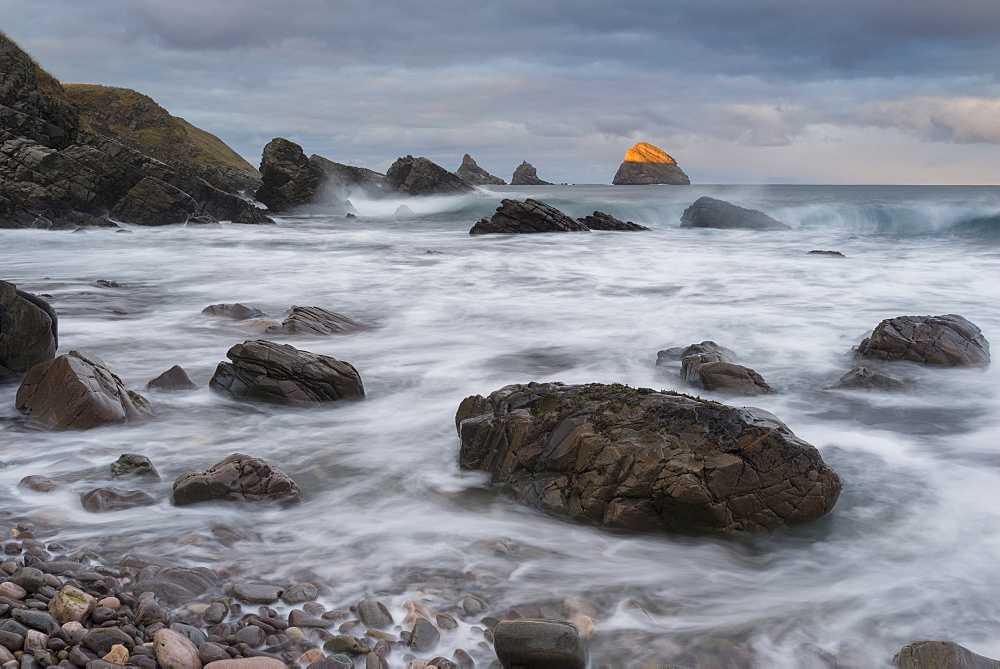 The dramatic coastline at Faraid Head, Balnakiel, Sutherland, Scotland, United Kingdom, Europe - 842-505