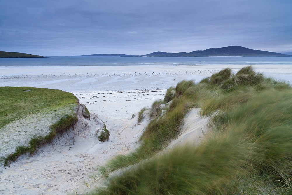 Looking across the dunes and beach towards Taransay from Seilebost, Isle of Harris, Outer Hebrides, Scotland, United Kingdom, Europe - 842-539